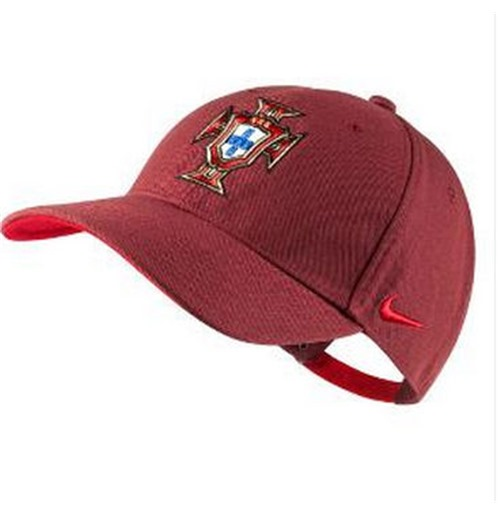 official supplier great look wide varieties 2014-15 Portugal Casquette Nike Core (Rouge)
