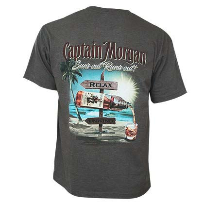 T-shirt Captain Morgan Suns Out Rums Out