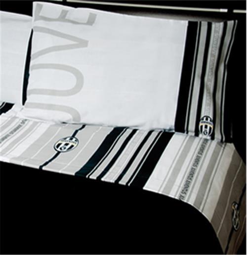 parure drap juventus fc pour seulement 37 80 sur merchandisingplaza. Black Bedroom Furniture Sets. Home Design Ideas